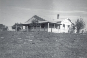 1 Glenelg 1965 Heffernans House